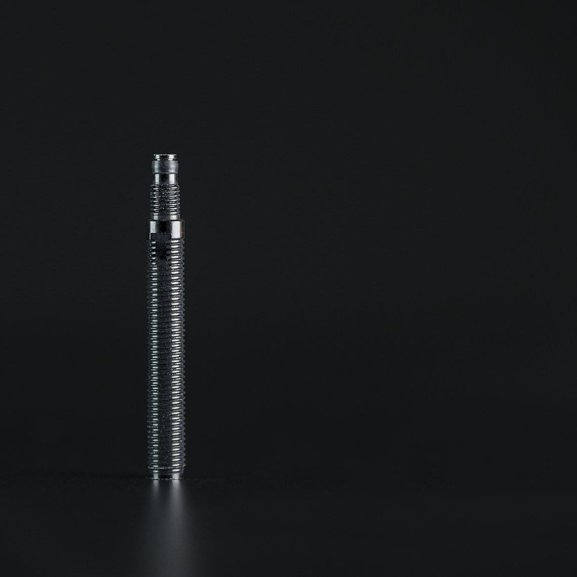 Tubeless valve extender